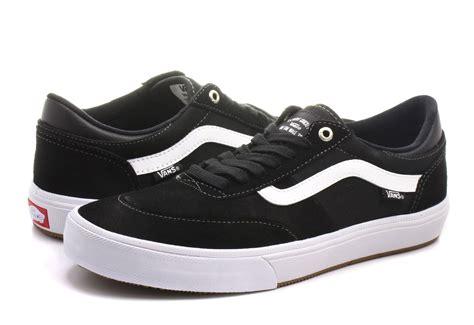 Harga Vans Gilbert Crockett Pro vans sneakers gilbert crockett 2 pro va38coy28