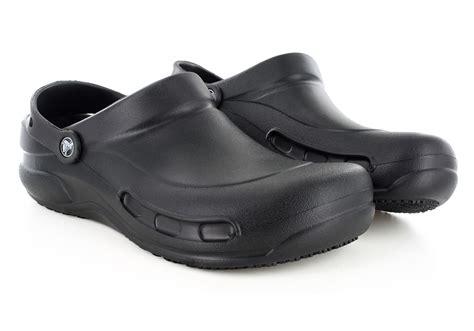 mens crocs bistro slip resistant clog black