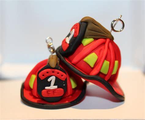 Gantungan Kunci Helmet Keychain Helmet polymer clay firefighter helmet keychain by marcellanise on etsy 7 00 gifts ideas