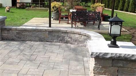 Jonathan Robert Landscape Design Backyard patio with