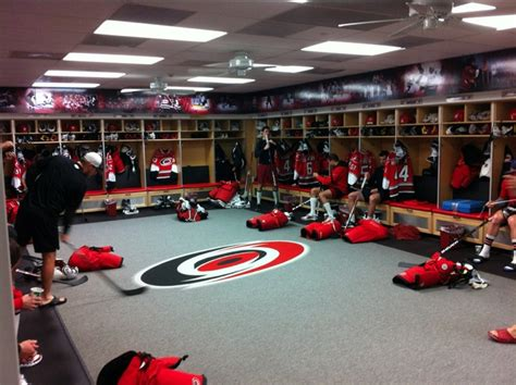 chicago blackhawks dressing room 33 best images about dressing room on hockey teams stalls and vancouver canucks