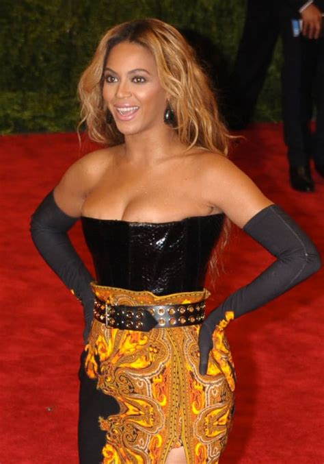 Nicky Cancels Florida Fashion Show by Beyonce Pregnancy Rumors Singer Cancels Show Due To