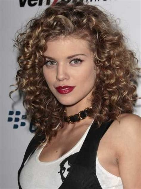 Hairstyles For Curly Medium Hair by Medium Curly Hairstyles 2016