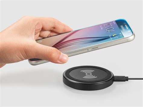 Anker Wireless Charger by Free Your Smartphone From Cables With This 14 Wireless