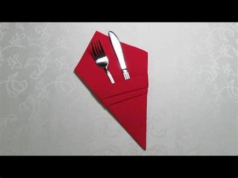 servietten falten tasche 25 trendideen zum thema servietten falten bestecktasche