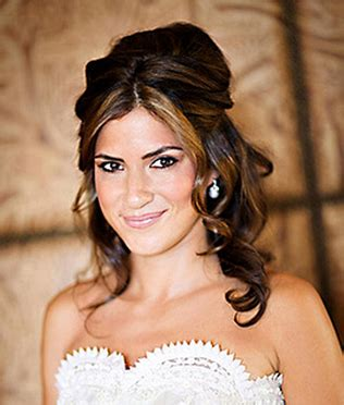 Wedding Hairstyles Half Up With Bangs by Trendy Bridal Hairstyle With Half Up With Of Wavies