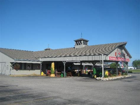 The Iowa Machine Shed by Iowa Machine Shed Dining Area Picture Of Machine Shed Restaurant Davenport Tripadvisor