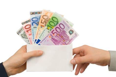 stipendio cassiere stipendio in contanti stop dal 1 176 luglio aletheia store