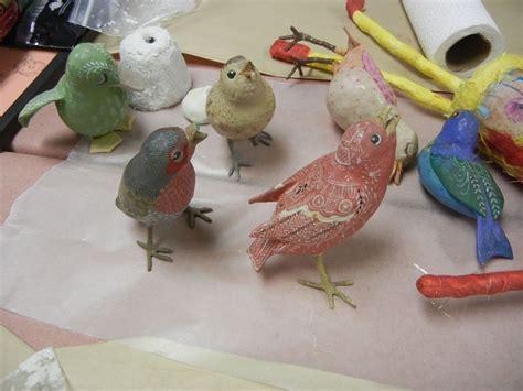 How To Make Paper Mache Birds - paper mache birds se p 229 dalam 229 lningarna p 229 f 229 glarna