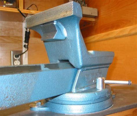 rigid bench vise amazon com ridgid 66997 f 60 6 inch forged f series vise