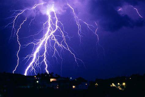 imagenes de fuertes tormentas tormentas el 233 ctricas e intensas lluvias marcan 250 ltimas