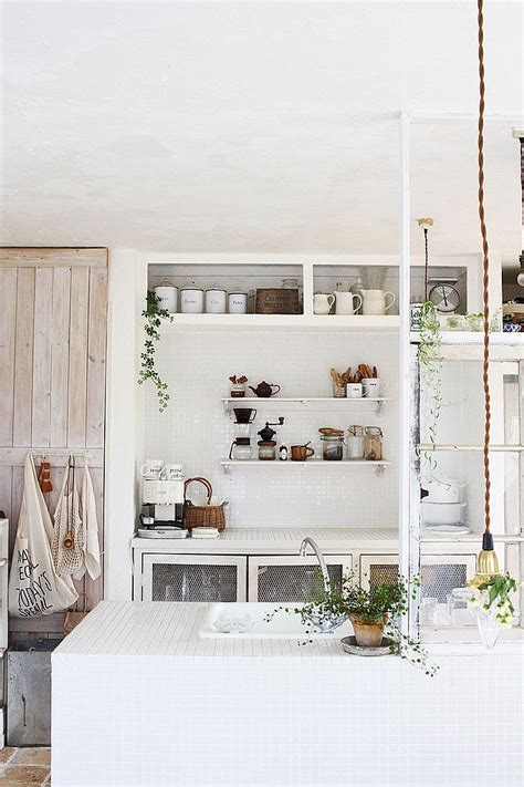 Casual Cottage Chic by Casual Vibe Of The Shabby Chic Kitchen Makes It A Delight
