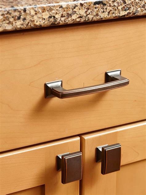 Kitchen Cabinet Door Pulls Can I Use Different Knobs And Pulls In The Same Kitchen And It Look Ok 360 Yardware