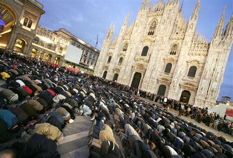 islamica italia ecco il volto dell islam italiano quot s 195 172 alla violenza in
