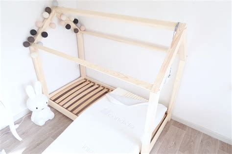 lit tout fait cing car pas cher le fameux lit maison en bois pas cher club mamans