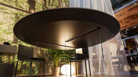 tavolo lago tavolo rotondo sospeso su gambe in vetro trasparente lago