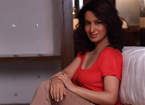 bollywood actress casting couch it s love at first sight for tisca chopra urbanasian