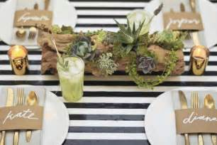 Black And White Striped Table Runner 10 Garden Wedding Decor Ideas In Moss Weddbook