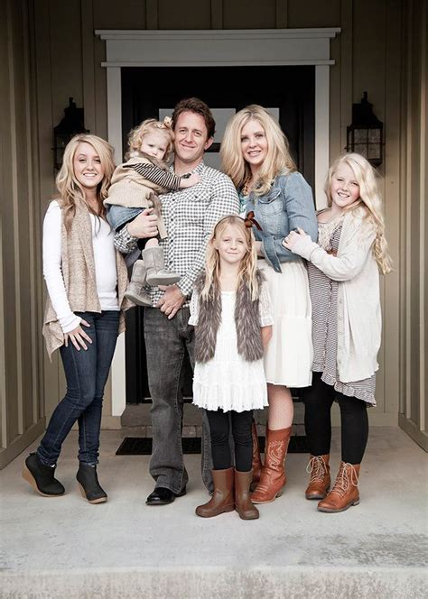 family picture color ideas best 25 family picture ideas on
