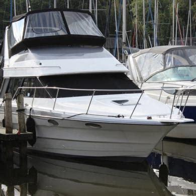 bayliner boats windermere flybridge motorcruiser bayliner 2958 6 berth motorboat