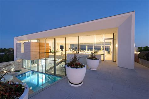 luxury hamptons home  east quogue ny