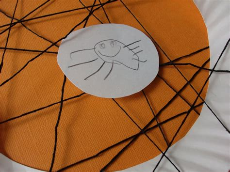 Spider Paper Plate Craft - kids craft paper plate spider web mommysavers