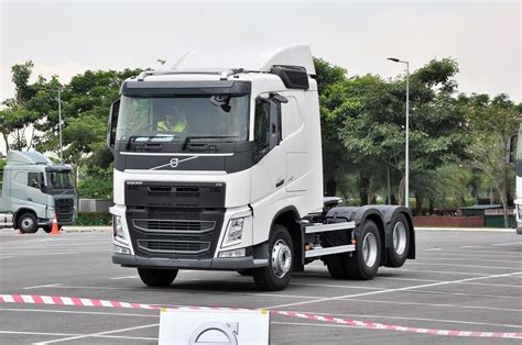 the new volvo truck the volvo fh series truck autoworld com my