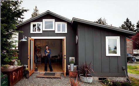 costruire casa in economia come costruire casa con pochi soldi il garage abitato