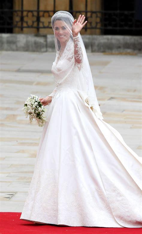 middleton wedding dress entails interesting flower