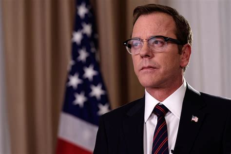 designated survivor kiefer sutherland glasses designated survivor series premiere recap today s news