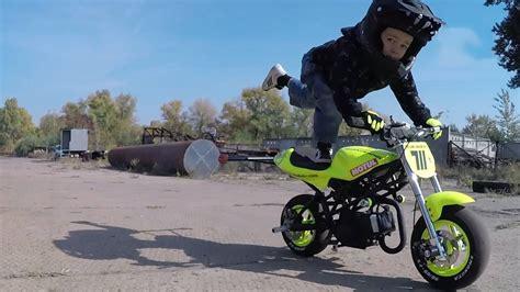 Motorrad Bilder Kinder by Dieser Vierj 228 Hrige F 228 Hrt Motorrad Wie Ein Profi Stern De