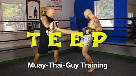flash kick tutorial how to throw a muay thai roundhouse kick with correct