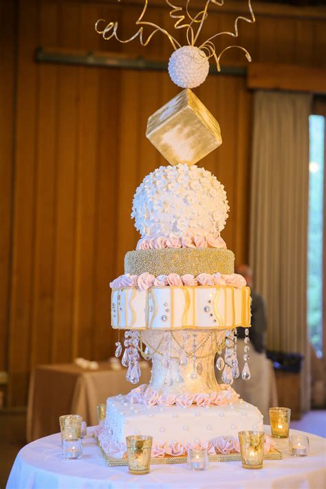 Wedding Cake Styles by Guide To Wedding Cake Styles Shapes And Icing