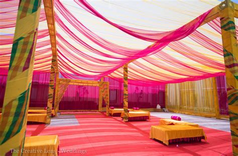 A colorful affair in Delhi with flashes of hot pink