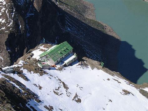 heinrich schwaiger haus heinrich schwaiger haus 2802 m rechts stausee hikr org