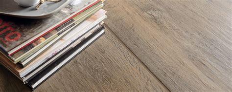 piastrelle senza fuga gres porcellanato effetto legno senza fughe