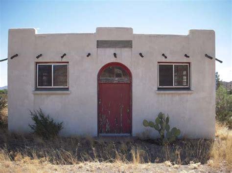 tiny houses arizona abandoned adobe house in arizona edward john hand grave