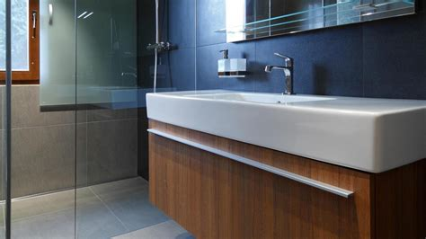 how to install bathroom vanity against wall bezbari 233 rov 225 k 250 peľňa wolfsthal rules architekti