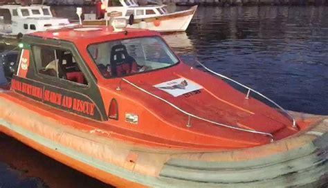tekne capasi istanbul boğazı nda 231 apası kopan balık 231 ı teknesi s 252 r 252 klendi