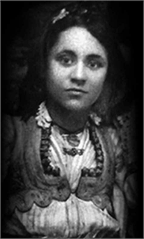 mother teresa early life biography life history of mother teresa