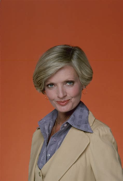 florence henderson new haircut mom haircut history the evolution of mom haircuts