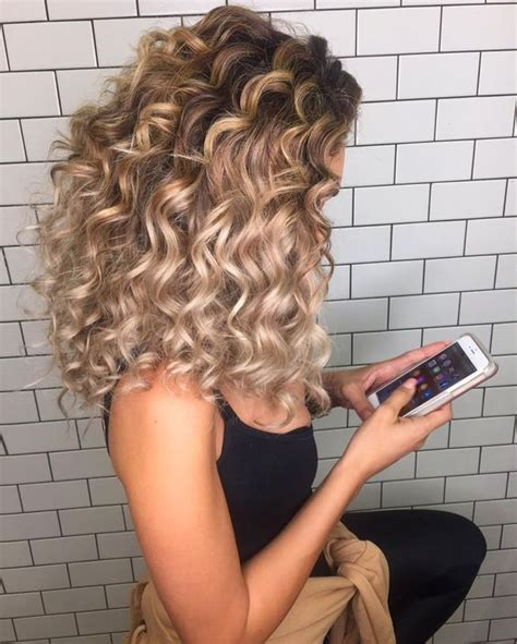 getting hair curled and color 25 best ideas about hair on pinterest color for hair