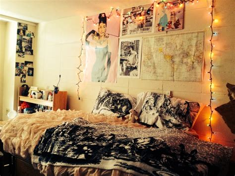 space ideas moving to a new dorm here are some of the best dorm room ideas midcityeast