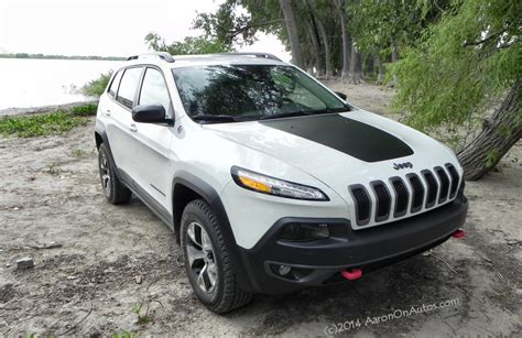 jeep cherokee trailhawk 2014 jeep cherokee trailhawk get there and do stuff
