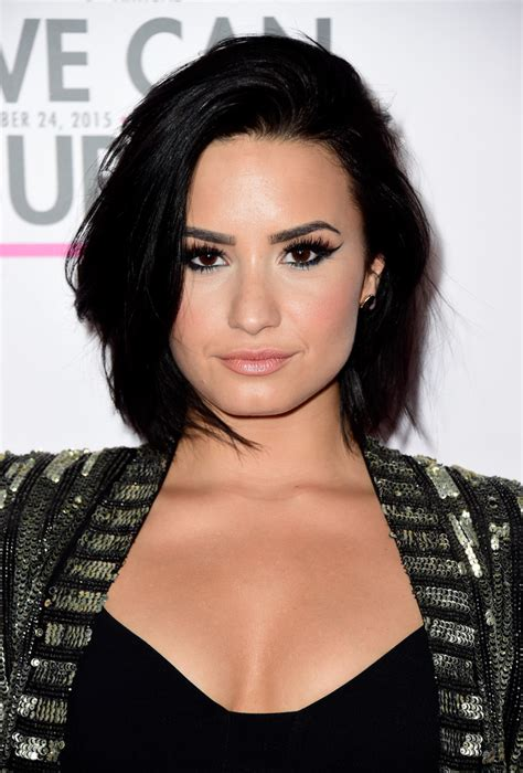 Demi Lovato Hairstyles by Demi Lovato Bob Hairstyles Lookbook Stylebistro