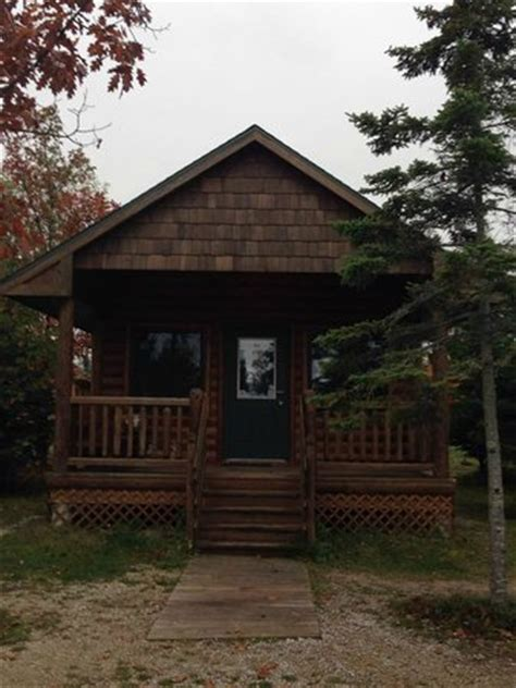 Mill Creek Cabin by Cabin That Sleeps Six With Bathroom