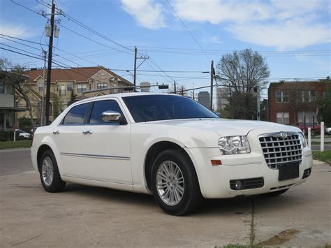 2010 Chrysler 300 Touring by 2010 Chrysler 300 Pictures Cargurus