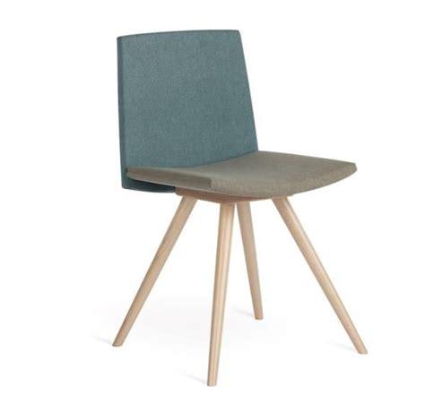 sedie vecchie in legno oltre 1000 idee su sedie in legno su sedie