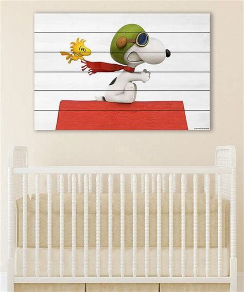 wandtattoo kinderzimmer snoopy peanuts by charles schulz peanuts snoopy flying wall