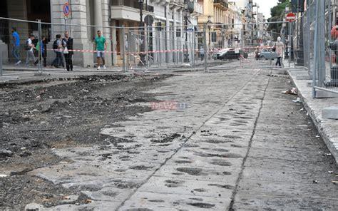 carabinieri porta garibaldi carabinieri sequestrano il cantiere della pavimentazione